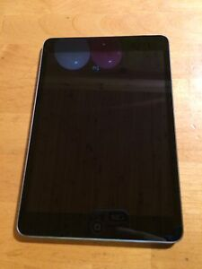 iPad mini 1, 16gb black screen. 8.5/10 condition.