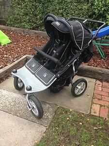 Valco Run About Tri Mode Twin Pram Colac Colac-Otway Area Preview