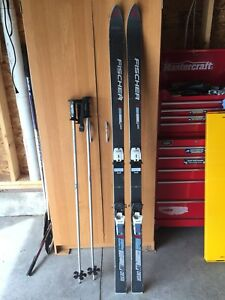 Selling Fischer Downhill Skis with Poles 170cm