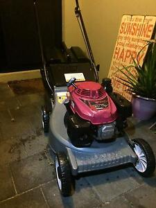 MOWER (HONDA) Ridgewood Wanneroo Area Preview