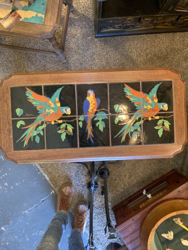 Monterey Tile Top Table Parrots 10 Tiles