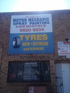 mechanic and spray painting