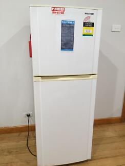Samsung fridge 70$, moving out clearance