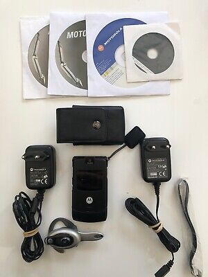 Lot: Motorola VINTAGE RAZR V3 + Headset Bluetooth HS-850 + acces.