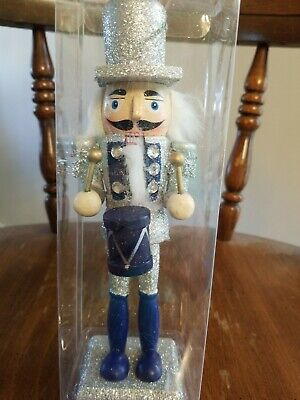 Wooden Soildier Prince swordsman Nutcracker &Crown 9