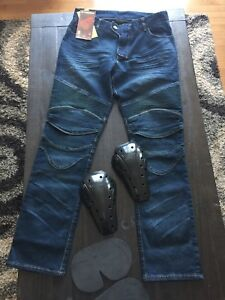 Motorcycle jeans with 4 protection pads