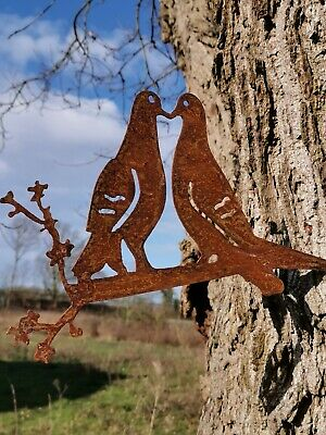 RUSTY METAL KISSING DOVES SILHOUETTE GARDEN ART  BIRD SCULPTURE GARDEN DECOR