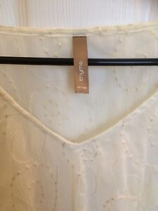 Maternity tops size x-small