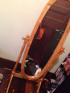 Wooden free standing mirror excellent condition 4 weeks old Mayfield East Newcastle Area Preview
