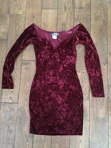 Vintage size xs crushed wine coloured velvet dress