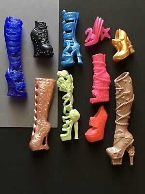 Characters Of Ever After High (NEW Lot of 10 Pair Monster High Shoes, Everafter Hi Dolls Boots Mixed)