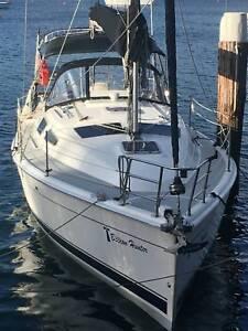 Hunter 33 Yacht