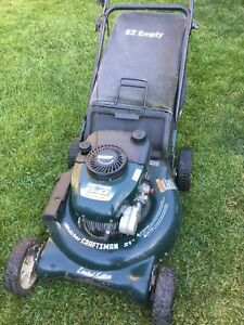 6HP Craftsman gas lawnmower lawn mower with bag