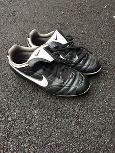 Size 1 youth Soccer Cleats