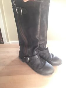 Ladies size 7.5 leather boots