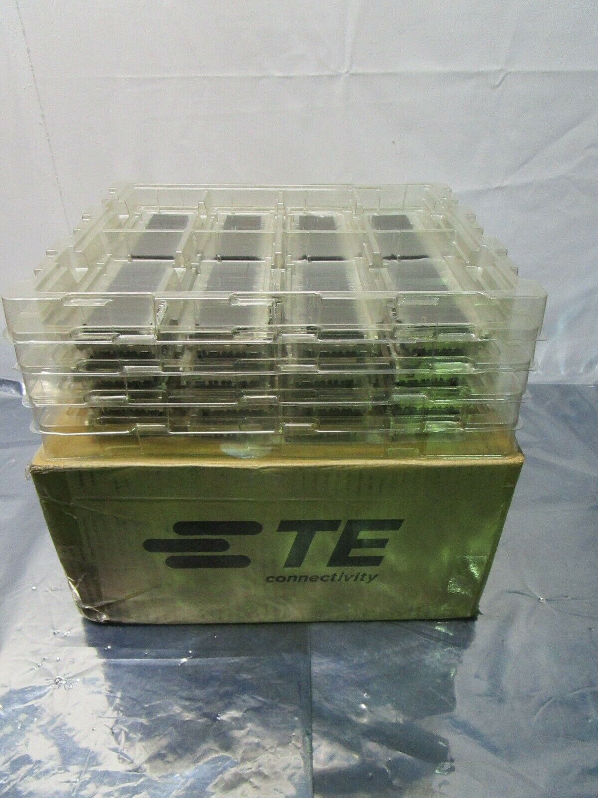 1 Lot of 32 TE connectivity AMP Brand 2170551-1 1X6 CAGE ASSEMBLY, 102441