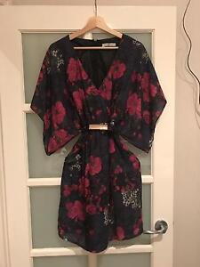 Nicola Finetti, short, floral, kimono style dress Scarborough Stirling Area Preview