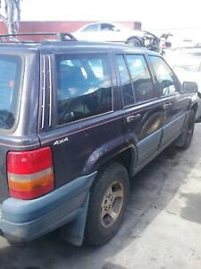 NOW WRECKING JEEP CHEROKEE RED COLOR ALL PARTS 2004 Dandenong South Greater Dandenong Preview