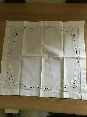 Small square table cloth white broiderie Anglais