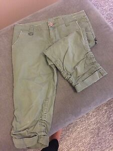 Khaki 3/4 pants East Maitland Maitland Area Preview