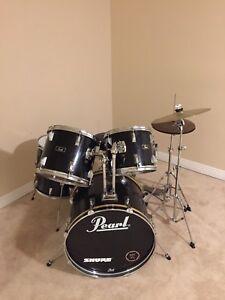 Pearl Drum Kit, excellent condition!