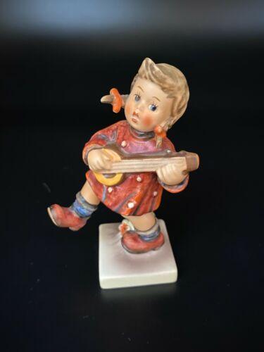 Hummel HAPPINESS Figurine ~ #86 ~ Goebel West Germany ~ TMK-5 ~ Girl with Banjo