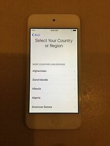 iPod touch 5th generation 32gb locked Excellent condition