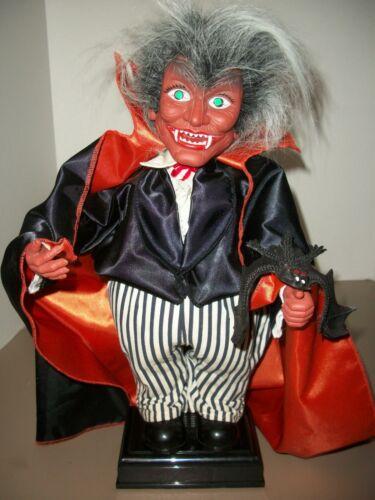 "Vintage 16"" Animated Halloween Vampire Dracula w/Bat~Sounds~Light-Up Eyes"