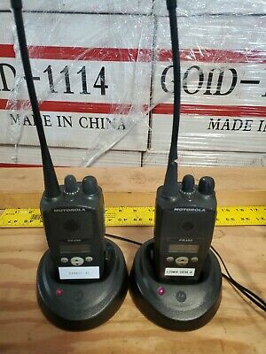 Lot Of 2 Motorola Pr400 Aah65rdf9aa3an Radios W Chargers And Power Cords