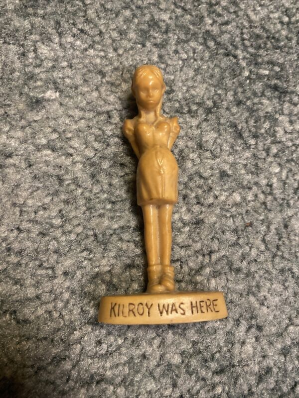 "Vtg WWII Kilroy Was Here Pregnant Girl Unpainted Resin Figurine Statue 3.5"" Tall"