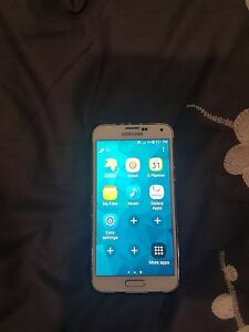 9/10 SAMSUNG GALAXY S5 White UNLOCKED - $205