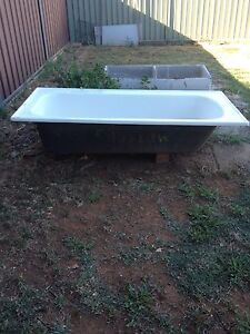 Old metters bathtub West Tamworth Tamworth City Preview