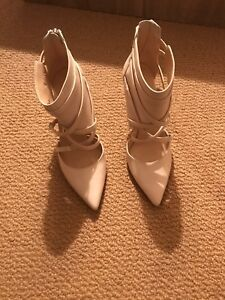 Nine west white leather high heels pumps 6.5