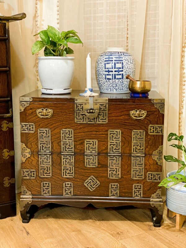 19TH Century Korean Tansu Chest