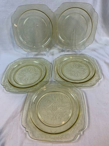 💥 VINTAGE INDIANA FEDERAL Madrid Depression Glass Yellow 5 dinner plates c855