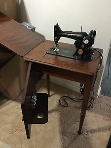 Sewing machine with furniture Singer