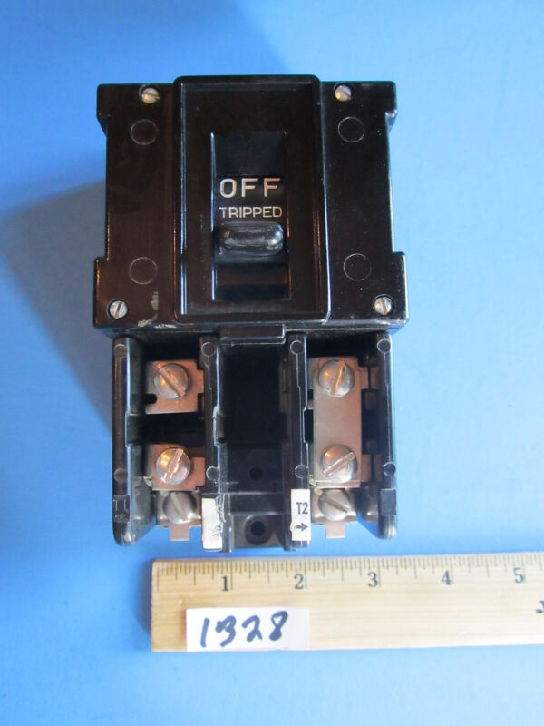 GE Size M-0 Motor Starter CR1062R29C 600 Vac Max  GE