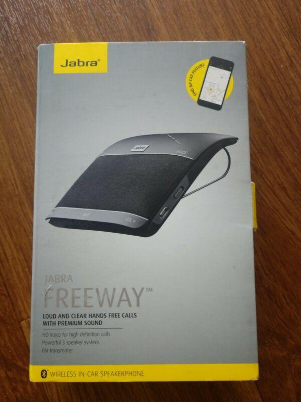 JABRA FREEWAY Bluetooth Universal Speakerphone Speaker Car Kit W/FM Transmit