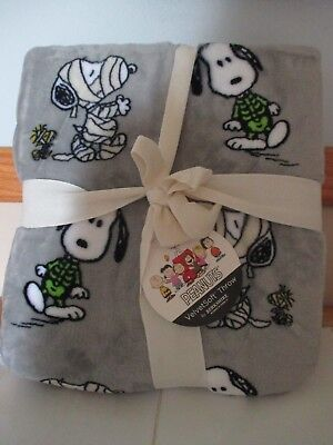 NWT Berkshire SNOOPY as Mummy PEANUTS Halloween Velvet Soft Blanket,Throw-Cute! (Soft As Velvet)