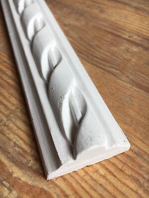 Stucco - verzierte Stuckleiste 110-025  Leiste aus Stuckgips a. 1,50m