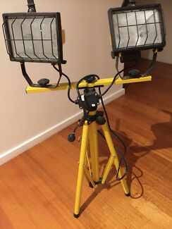 Tripod 1000w halogen flood work light