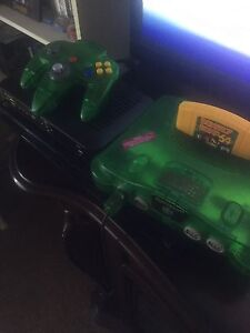 Donkey Kong N64 with 2 controllers **reduced**