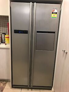 Samsung 540Lt side by side fridge East Gosford Gosford Area Preview