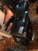 Barber chair from 1953 it's a classic