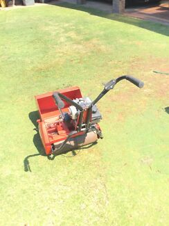 Lawn Mower and Edger Kingsley Joondalup Area Preview