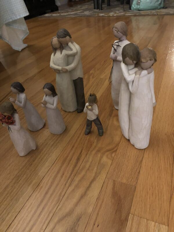 Lot of 7 WILLOW TREE figures. Mother, Daughter, Girls, Boy Willow Tree