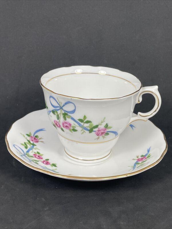 Colclough Bone China England Tea Cup And Saucer Red Rose Blue Bows EUC
