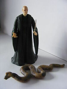 Harry-Potter-Loose-Figure-Lord-Voldemort-with-Wand-his-Snake-Nagini-Excellent