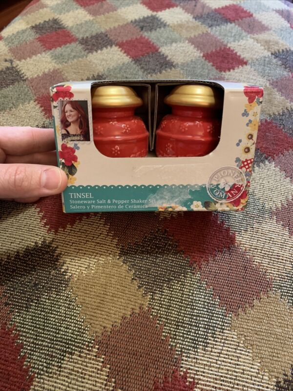 """Pioneer Woman Red And Gold """"Tinsel"""" Salt And Pepper Shakers *New*"""