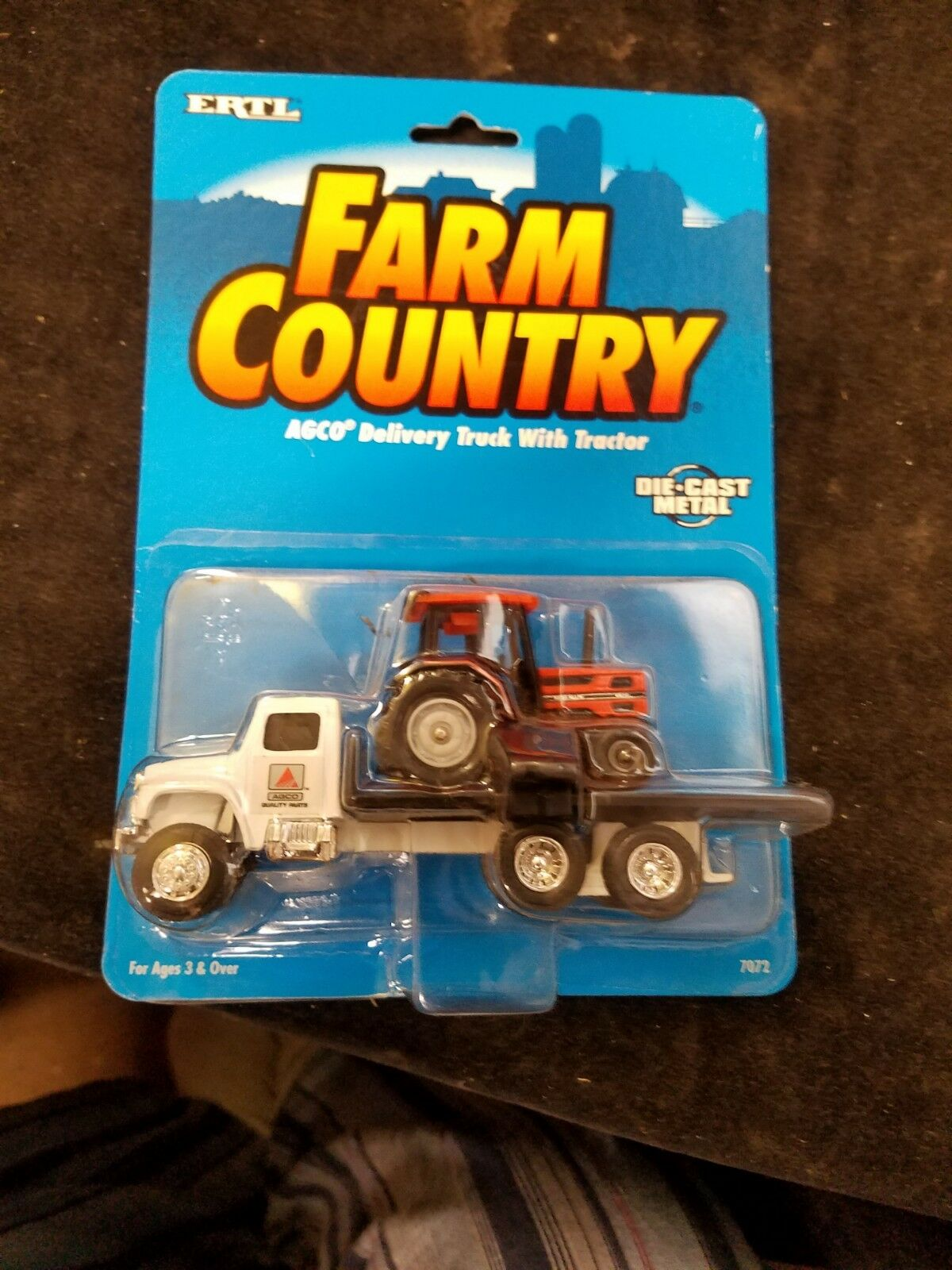 1995 Ertl Farm Country 7072 AGCO Diecast Delivery Truck With Tractor New